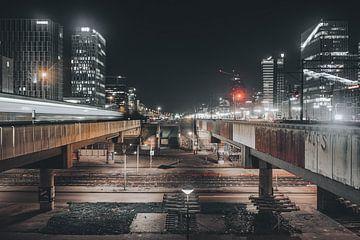 Amsterdam financieel centrum (Zuidas) in de  nacht van Jan Hermsen