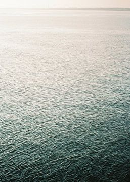 At the sea van Raisa Zwart