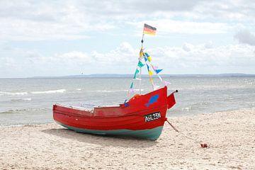Fischerboot am Strand  in  Ahlbeck, Ahlbeck, Insel Usedom, Mecklenburg-Vorpommern, Deutschland, euro von Torsten Krüger