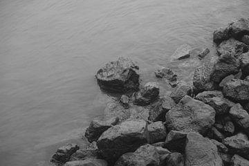 Stenen in de Maas van Gijs Wilbers