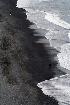Zwart Strand van Ronald Jansen