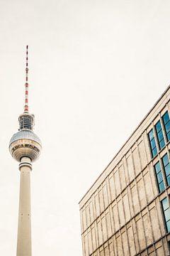 Fernsehturm Berlin van Patrycja Polechonska