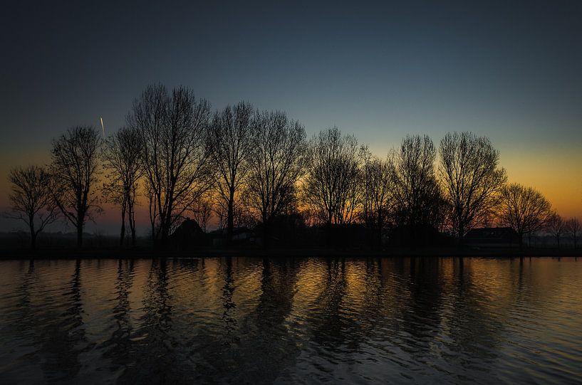Vroege zonsopgang van Bart van Dam