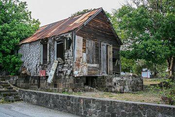 Bouwval op Sint Eustatius van Joost Adriaanse