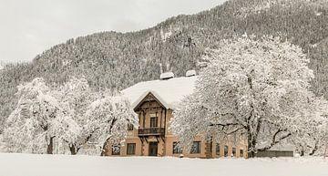 Haus in den Bergen von Mariette Alders