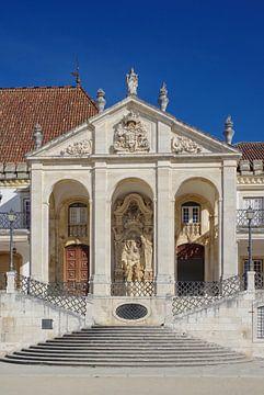 Coimbra: Aufgang zur Via Latina an der Universität von Berthold Werner