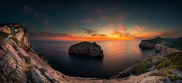 Zonsondergang in de baai bij Alghero - Sardinië sur Damien Franscoise
