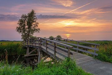 Zonsondergang Sandebuur Drenthe van R Smallenbroek