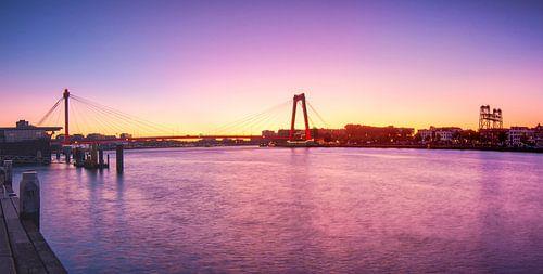 Sunrise at the Willemsbrug van