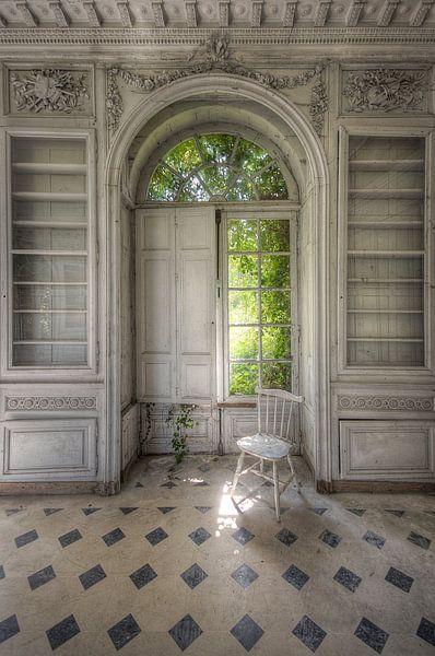 Urbex - Stuhl von Angelique Brunas