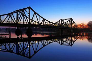 Glienicker Brücke zwischen Potsdam und Berlin von Frank Herrmann