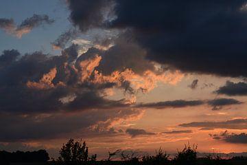 Zonsondergang op de snelweg van FotoGraaG Hanneke