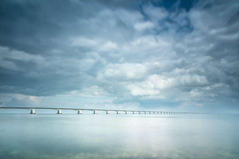 Lange sluitertijd Zeelandbrug (IV) van Mirjam Boerhoop - Oudenaarden
