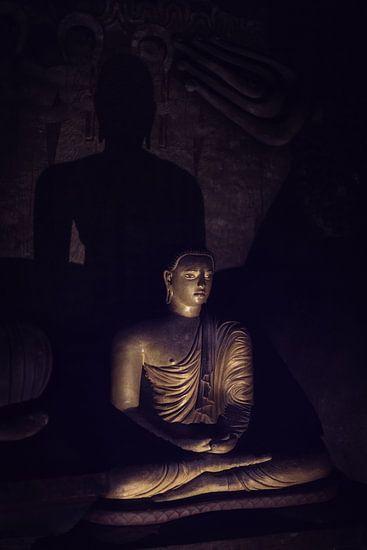 Mysterieuze Boeddha in grot