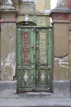 Metalen deuren op Lesbos