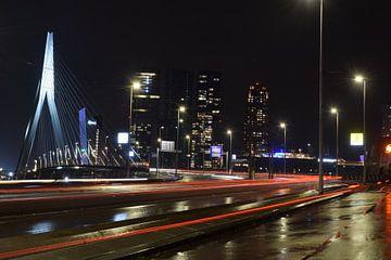 Erasmusbrücke am Abend von Inge van der Stoep