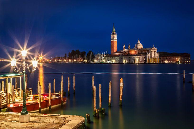 VENICE  San Giorgio Maggiore at Blue Hour II van Melanie Viola