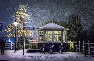 Brugwachtershuisje in de sneeuw - Weesp in Beeld