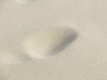 voetafdruk op het strand van Clementine aan de Stegge