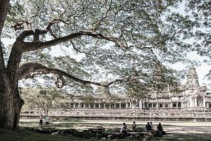 Achter Angkor Wat van Geert Schuite