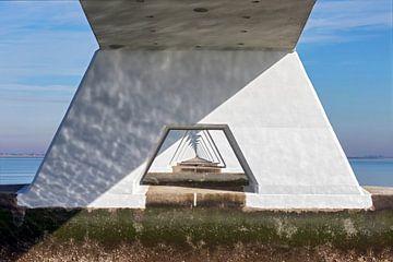 Durchsichtige Brücke über den Meeresboden von gea strucks