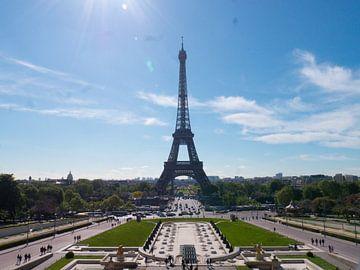der Eiffelturm in Paris von Evelien Brouwer