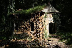 Vervallen huisje Mullerthal Luxemburg van