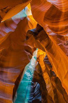 La lumière spectaculaire dans Antelope Canyon, Page, l'Amérique sur Rietje Bulthuis