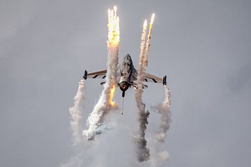 F-16 gevechtsvliegtuig  van Kris Christiaens