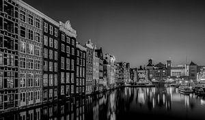 Amsterdam Damrak zwart wit van