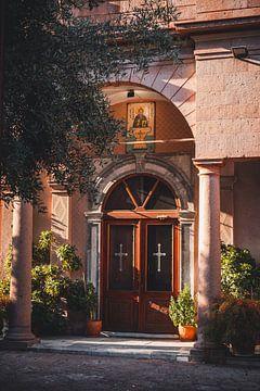 Kerk in Grieks gouden uurtje van Tes Kuilboer
