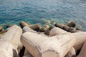 Betonnen waterkering Gran Canaria van Guido van Veen