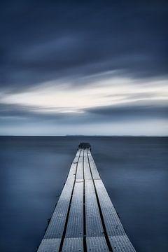 Verwunschener Steg am Meer von Fine Art Fotografie