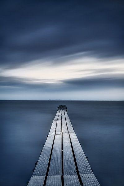 Verwunschener Steg am Meer von Voss Fine Art Fotografie