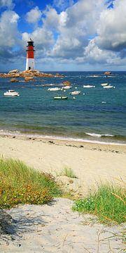 Der kleine Hafen beim Leuchtturm von Monika Jüngling