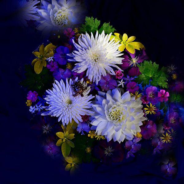Water flowers van Roelina Holtrop