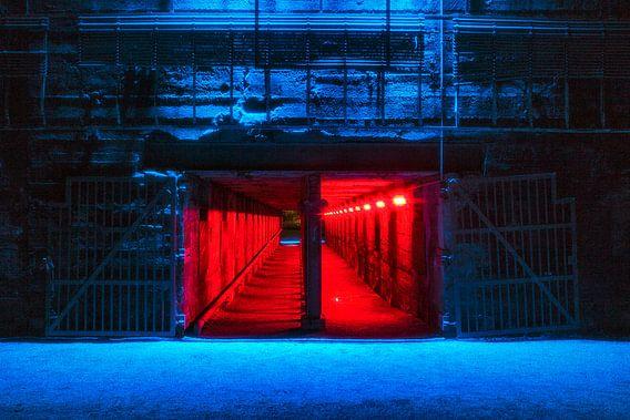 De rode tunnel, Landschaftspark Duisburg van Evert Jan Luchies