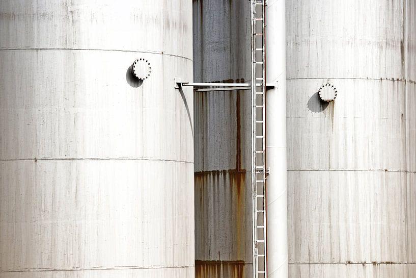 Réservoirs rouillés sur Jan Brons