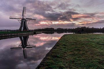 Sonnenuntergang bei der Windmühle 'De Helper von Lea Wever