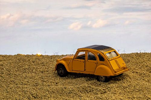 Dinky toy auto.