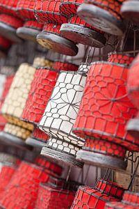 Traditionele lantaarns op een Chinese rommelmarkt