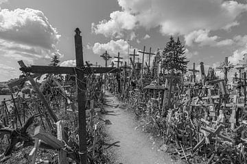 Heuvel van Kruisen - Kryziu kalnas (Litouwen) van Marcel Kerdijk