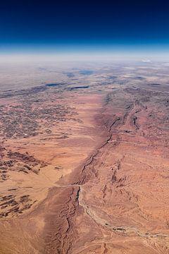 Afrika Wüste aus großer Höhe von Inge van den Brande