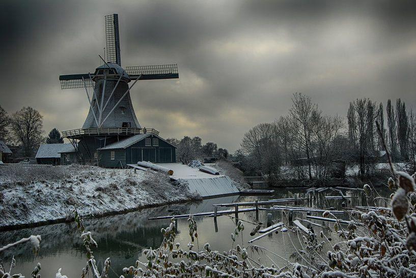 molen in de winter van Rob De Jong