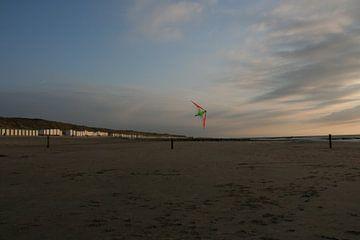 Vlieger boven het strand sur Toekie -Art