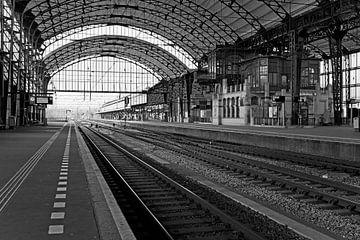 Bahnhof Haarlem Schwarz / Weiß von Anton de Zeeuw