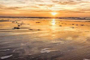 Zeegezicht met de kustlijn van de Noordzee