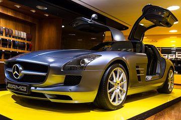 Mercedes Benz SLS AMG side van Dennis van de Water