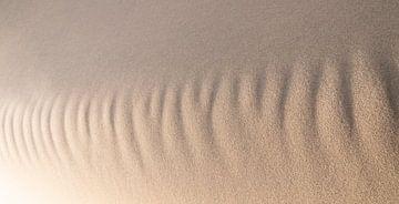 abstract zand van Arjan van Duijvenboden