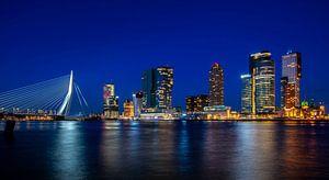 Rotterdam kop van zuid blue hour wilhelminapier wilhelminakade van Marco van de Meeberg